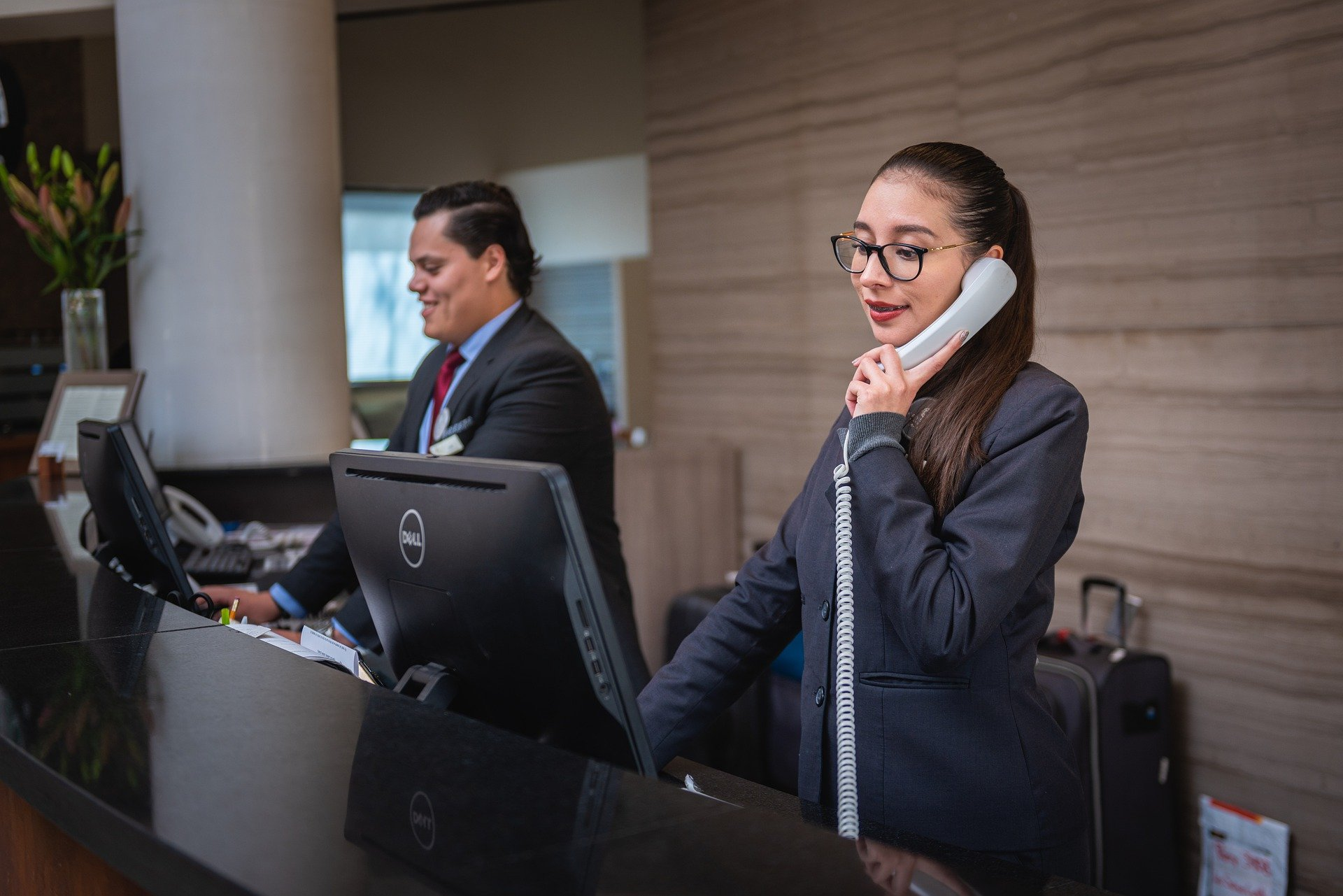 Performing Proactive Customer Service